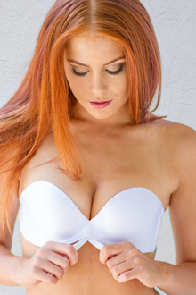 UpBra Miraculous Stay-Up Strapless White